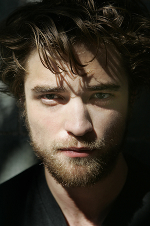 rob-robert-pattinson-2718516-300-450
