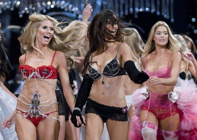 full_victorias_secret_show_38_wenn2175487