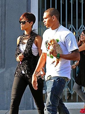 rihanna-chris-brown-picture000x0300x400jpeg