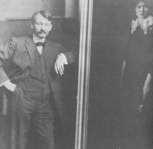 robert-henri-with-his-painting-of-josephine
